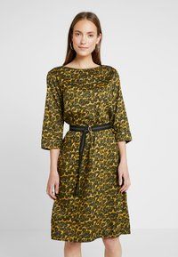 Freequent - Day dress - olive night - 0