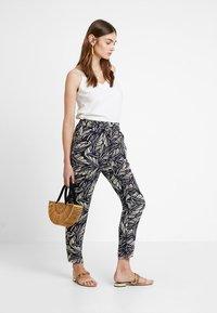 Vero Moda - VMSIMPLY EASY PANT - Trousers - night sky/litas - 1
