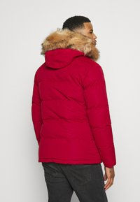 Alessandro Zavetti - OSHAWA PADDED - Winter jacket - red