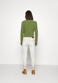 Desigual - PANT ANKLE PAISLE - Jeans Skinny Fit - white - 2