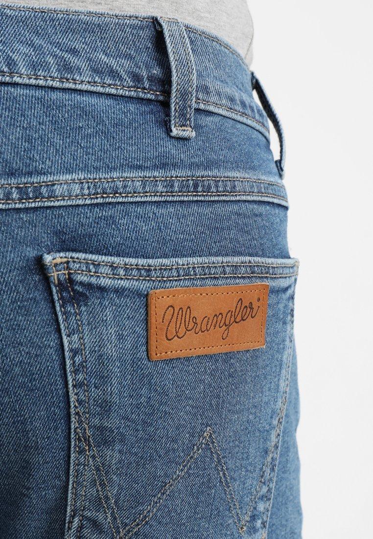 Wrangler LARSTON - Jean slim - midstone