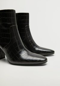 Mango - CALEO - Classic ankle boots - schwarz - 4