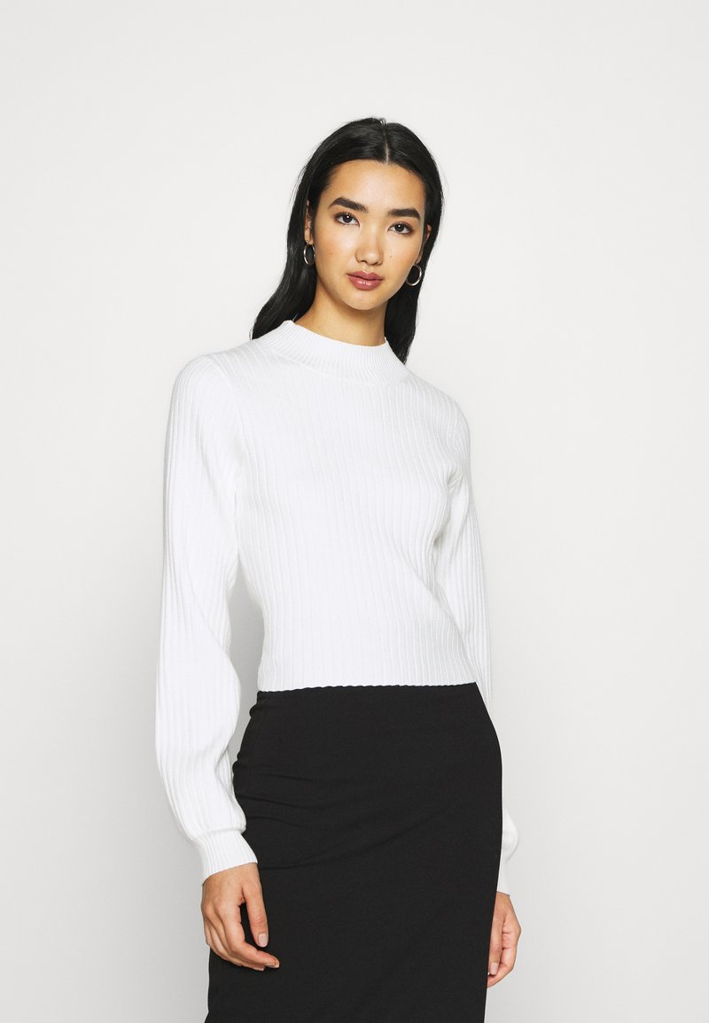 Glamorous - JUMPER WITH LONG SLEEVES HIGH NECK AND CUT OUT BACK - Jumper - offwhite