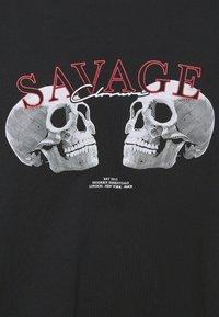 CLOSURE London - SAVAGE DEATH TEE - Print T-shirt - black - 5