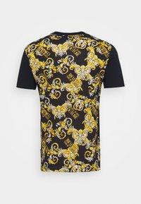 Versace Jeans Couture - NEW LOGO - Triko spotiskem - nero - 1
