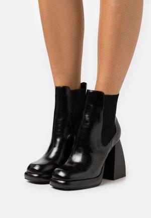 HARLEM PLATFORM CHELSEA BOOT - Platform ankle boots - black