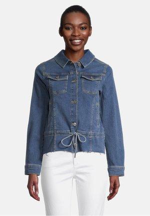 MIT AUFGESETZTER BRUSTTASCHE - Denim jacket - blau