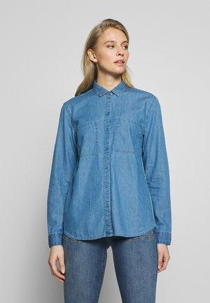EASY BLOUSE - Button-down blouse - blue