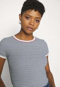 Lee - GRAPHIC TEE - Print T-shirt - washed blue - 3