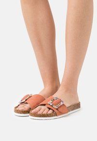 ONLY SHOES - ONLMAXI LIFE BUCKLE - Ciabattine - pink - 0