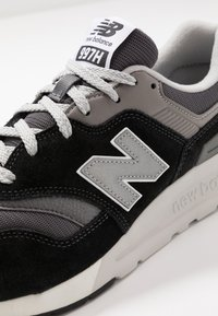 New Balance - 997 H UNISEX - Zapatillas - black/grey - 5