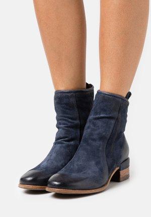 Cowboy/biker ankle boot - tornado