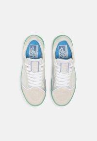Vans - UA EVDNT ULTIMATEWAFFLE UNISEX - Sneakers laag - marshmallow/mint - 3