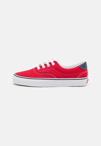 ERA 59 UNISEX - Sneakersy niskie - red/true white