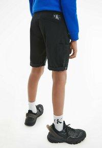 Calvin Klein Jeans - BLEND UTILITY - Shorts - black - 2