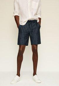Mango - Shorts - dunkles marineblau - 3