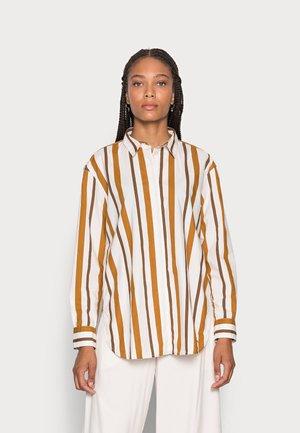 BLOUSE MODERN SHAPE - Button-down blouse - green beige