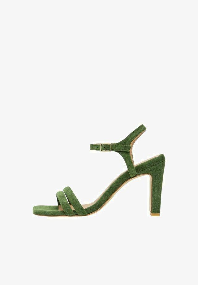 BIADEEDEE - Korolliset sandaalit - olive