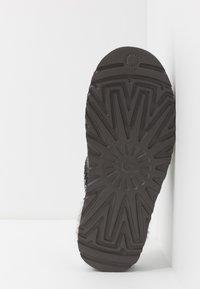 UGG - TASMAN - Pantoffels - dark grey - 4