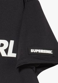 SuperRebel - GIRLS ACTIVE - Triko s potiskem - black - 4