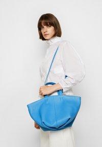 Mansur Gavriel - TULIPANO BAG - Handbag - celeste/light blue - 4