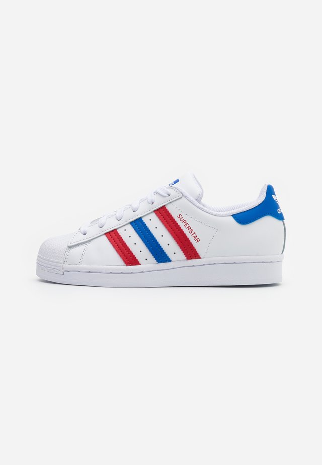 SUPERSTAR SPORTS INSPIRED SHOES UNISEX - Baskets basses - footwear white/blue/scarlet