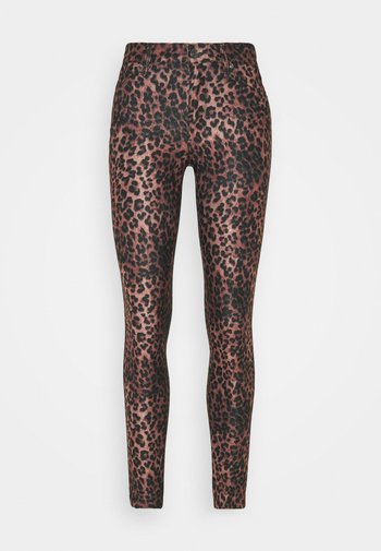 SEXY CURVE - Pantalones - iconic leopard brown