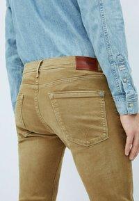 Pepe Jeans - STANLEY - Jeansy Slim Fit - malt - 4