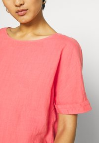 s.Oliver - KURZARM - Blouse - coral red - 4