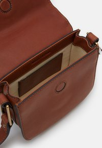 Marc O'Polo - CROSSBODY BAG - Across body bag - authentic cognac - 2