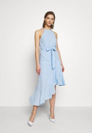 Koktejlové šaty/ šaty na párty - pale blue