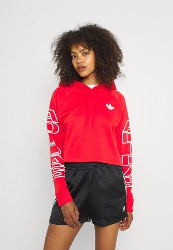 CROPPED HOODIE - Sweatshirt - vivid red