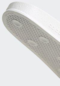 adidas Originals - ADILETTE SLIDES - Sandali da bagno - white - 7