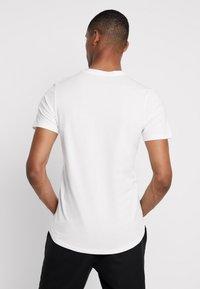 Jack & Jones PREMIUM - JPRMISA TEE CREW NECK - Basic T-shirt - white - 2