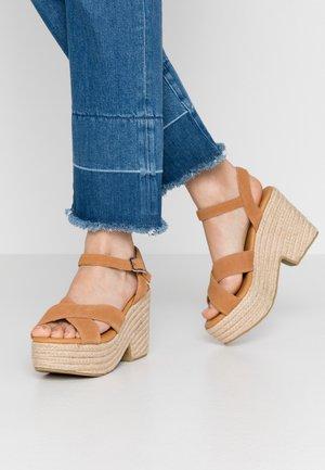 Sandalen met hoge hak - biscuit