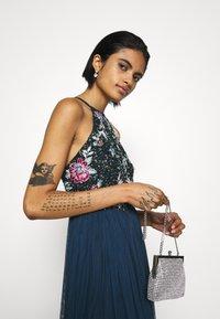 Lace & Beads - FLOY MAXI - Vestido de fiesta - navy - 3