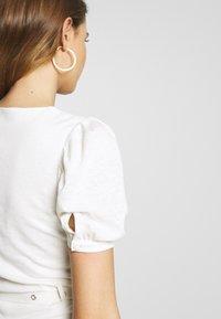 Lost Ink - BELTED MIDI DRESS - Robe en jersey - cream - 3