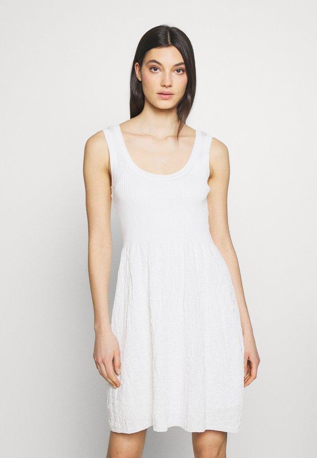 SLEEVES DRESS - Abito in maglia - white