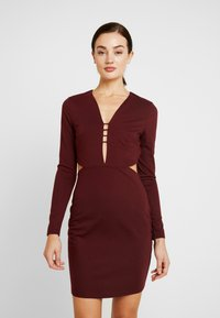 Lost Ink - CUT OUT SIDE BODYCON - Cocktail dress / Party dress - burgundy - 0