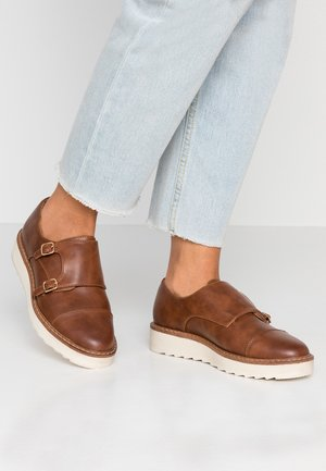 Mocasines - cognac