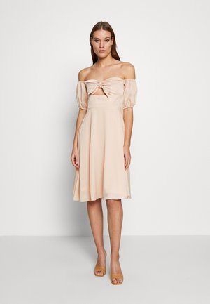 CHECK TIE FRONT BARDOT MIDI DRESS - Denní šaty - beige