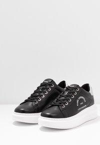 KARL LAGERFELD - KAPRI MAISON LACE - Sneakersy niskie - black/silver - 4