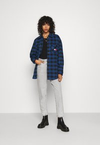 Tommy Jeans - Button-down blouse - providence blue/black - 1