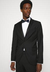 Calvin Klein - OXFORD SOLID BOW TIE - Bow tie - midnight - 0