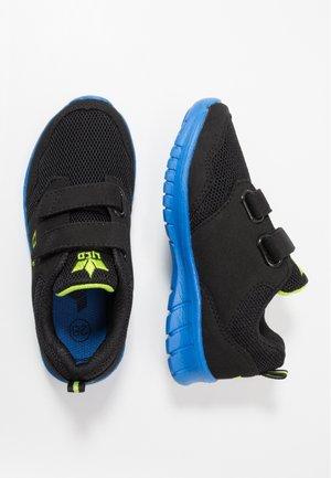 NANDO - Sneakers basse - schwarz/blau/lemon