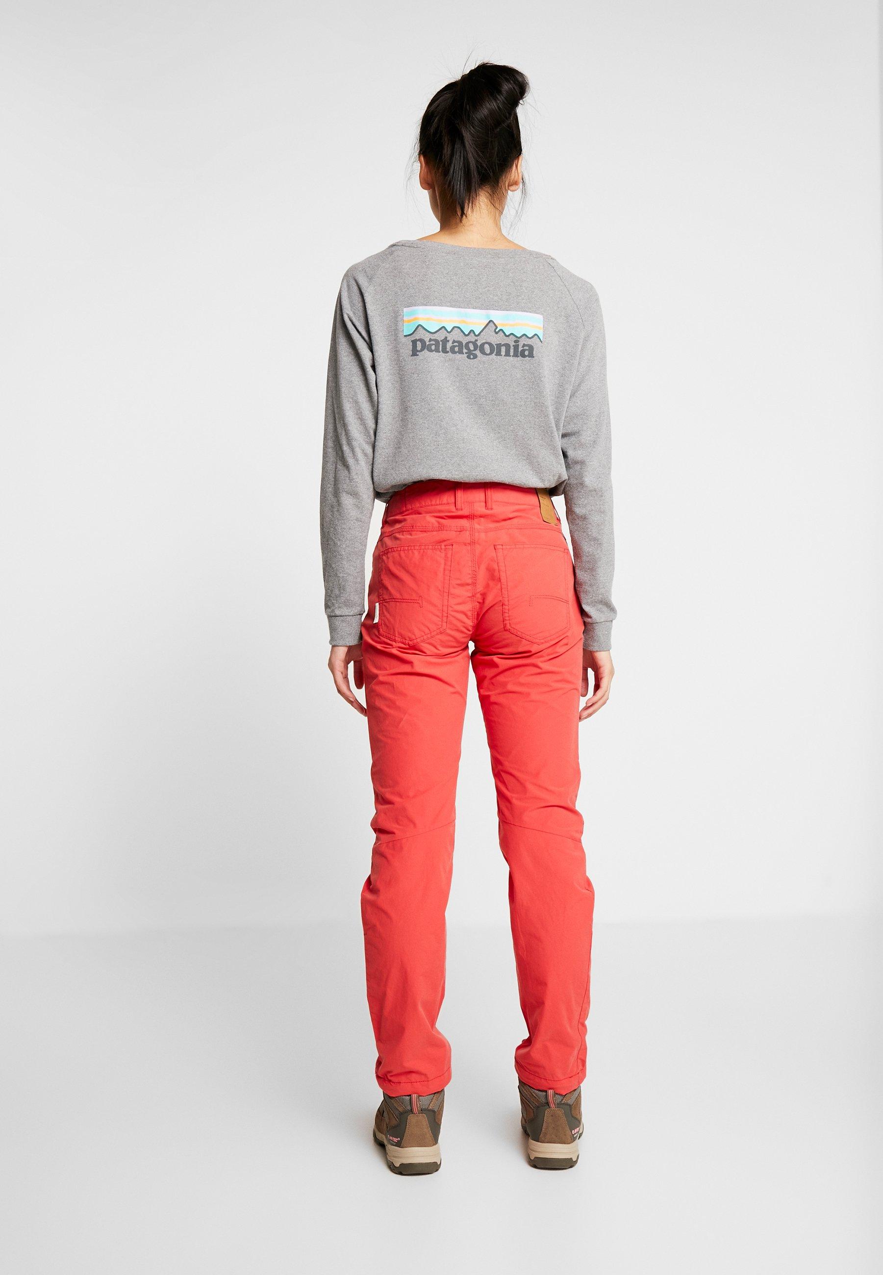 SVALBARD LIGHT PANTS Bukse crisp ruby