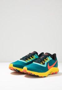 Nike Performance - AIR ZOOM PEGASUS 36 TRAIL - Laufschuh Trail - geode teal/bright crimson/black/chrome yellow/aurora green - 2