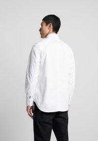 G-Star - STALT STRAIGHT BUTTON DOWN POCKET - Koszula - white - 2