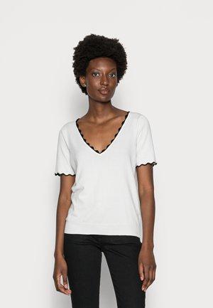 KADY  - T-shirt basique - ecru/noir