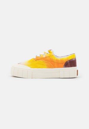 OPAL UNISEX - Sneakers laag - orange
